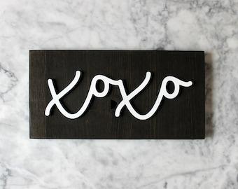 XOXO Cursive Sign