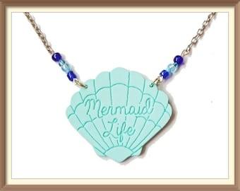 Turquoise Shell / Clam Acrylic Necklace / Mermaid Life / Undewater / Christmas