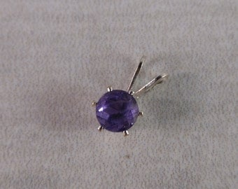 Amethyst .6 ct  5 mm Round Sterling Silver Necklace Pendant