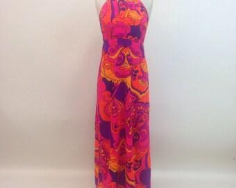 Vintage 1960s Psychedelic Hawaiian Halter Maxi dress / size medium