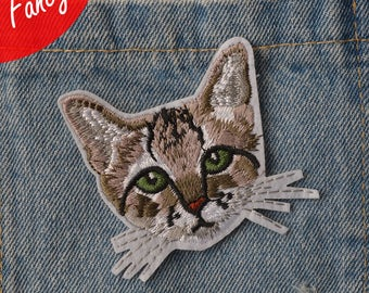 little cat  embroidered patch applique  vintage patch applique sew on patch