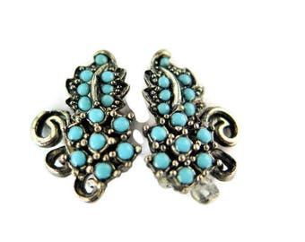 Vintage Turquoise Clip On Earrings With Turquoise Lucite 1950's