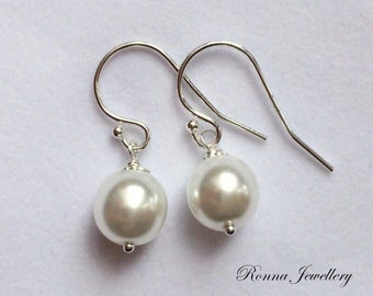 8m White pearl earrings in sterling silver, Swarovski pearl earrings, gift for her, bridesmaids earrings