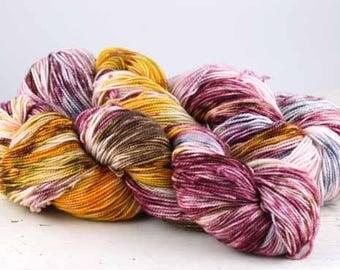 Hand dyed yarn,  80 / 10 / 10%  Super wash Merino / Cashmere / Nylon, sock yarn, 400 yards, Bird Tracks #25