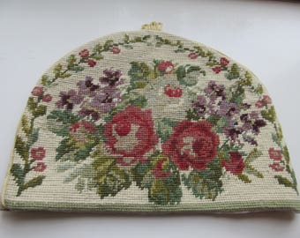 Handmade Needlework Tea Cosy MADE IN ENGLAND By 'Powell-Craft Ltd' - Brand New!!