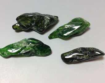 Chrome Diopside bead 25 to 30mm long