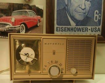 Late 1950's Motorola AM Tube Clock/Radio