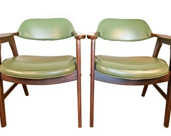 Mid Century Chairs, in Green, Made by Vintage Paoli Chair Company - 1 PAIR