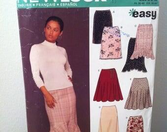 2004 New Look women's Skirt pattern in 6 Wonderful Styles No 6433 Size: US A 8 -18 FR 36-46 EUR 34-44