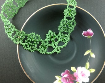 Tatted necklace with crystal--Green
