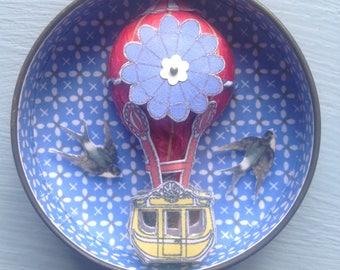 Tiny Circular Tin with Hot Air Balloon and Swallows