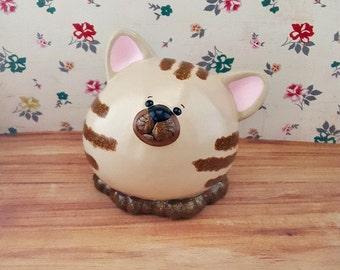 Cute Tan Kitty Cat Bank, Cat Piggy Bank, Kitty Piggy Bank, Nursery Decor, Customizable Piggy Bank, Cat Nursery, Kitten Nursery, Piggy Bank