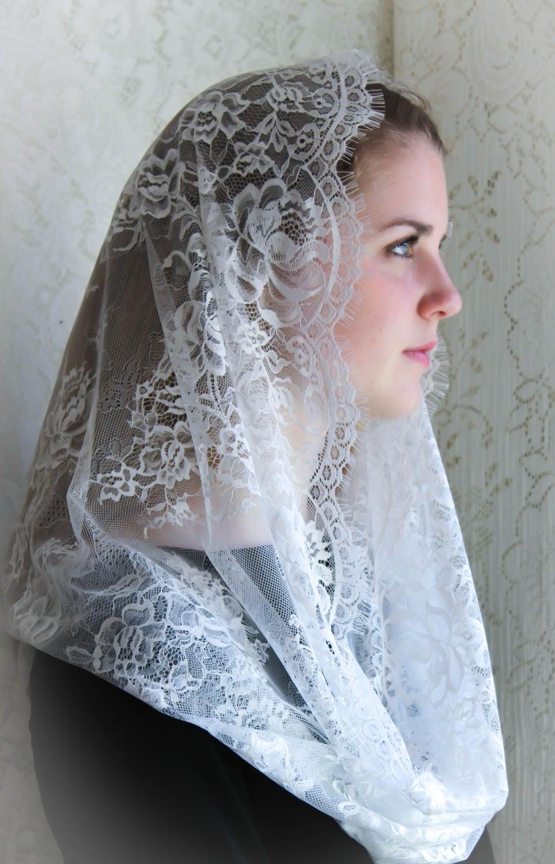 Evintage Veils~ Cream White Spanish Lace Chapel Veil ...