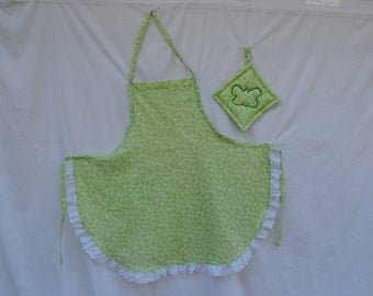 Green Apron with Butterfly Print and White Eyelet Trim