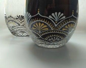 Hand painted wine glasses, stemless wine glasses, wedding wine glasses, black and white wine glasses, bridal wine glasses