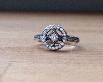 Sterling silver and cubic zirconia allure ring