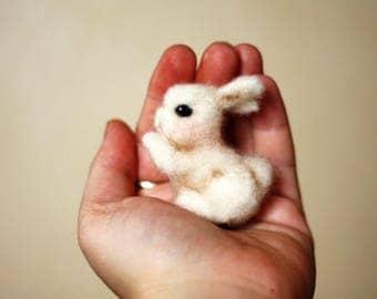 Felted brooch bunny -felted brooch-Brooch bunny-felted bunny -felted brooch rabbit