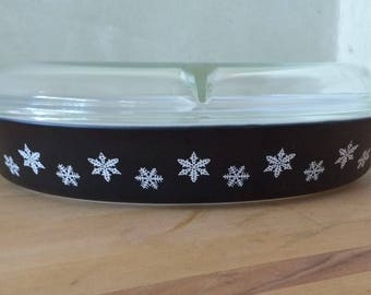 Vintage Pyrex Charcoal black and white snowflake divided casserole dish with lid. Mid century Pyrex. Atomic era casserole