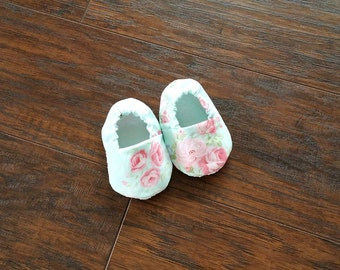 Rose Baby Shoes Floral baby booties