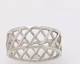 Womens Sterling Silver Lattice Ring