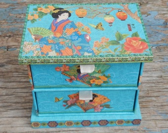 Pretty Asian Trinket Box!