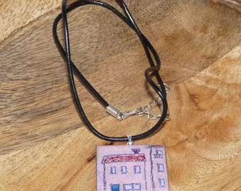 Enamelled House necklace in pink