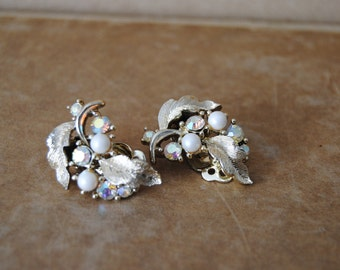Lisner Signed Aurora Borealis & Pearl Leaf Clip On Earrings PERFECT Vintage Condition