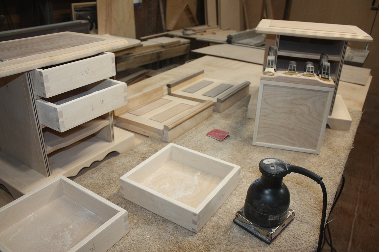 Fitting and sanding Dovetail Drawers for Handmade Jewelry Box