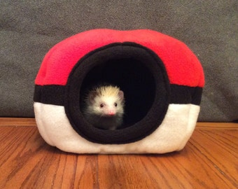 Pokeball Hide, for hedgehogs, guinea pigs, rats and other small animals