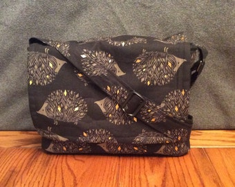 Peekaboo Messenger Bag, Waterproof, Black and Gold Hedgehogs, for Hedgehogs, Sugar Gliders, Rats, and other Small Animals