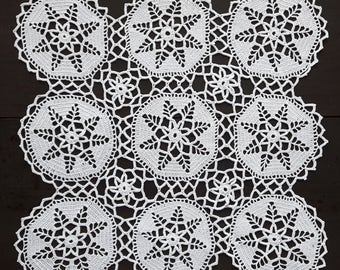 White square crochet doily