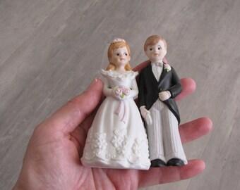 Vintage 1986 Bride and Groom Wedding Topper - Enesco