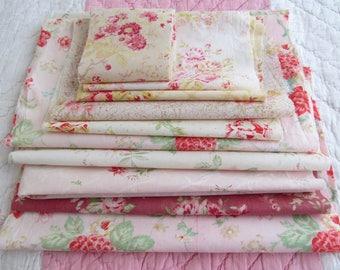 FABULOUS FLORALS! Bundle of true vintage eiderdown fabrics~Roses, daisies,cottage flowers~Ideal for patchwork & pretty little projects