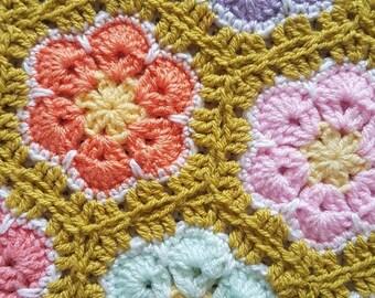 Crochet Baby Blanket, crochet flowers, crochet baby girl blanket