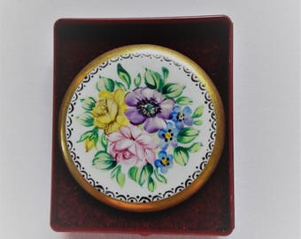 Vintage Ceramic Hand Painted Circular Pretty Floral Brooch