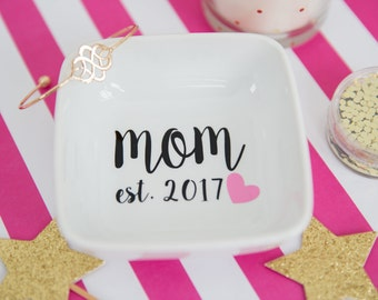 New Mom Gift - Gift Under 25 - Personalized Gift - Wife Gift - Gift for Mom - Jewelry Dish - Jewelry Holder - Ring Tray - Ring Dish