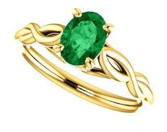 1.00 Carat Green Emerald Designer Style Ring in 14K Yellow Gold