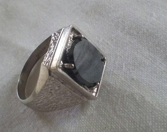 Vintage Signet Ring Sterling Silver Set With A Hematite Stone Mens Signet Ring