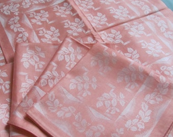 "Set of 4 Unused Vintage Napkins 14""x14"". Damask Linen Napkins with Floral Pattern; 4 Napkins ; Vintage Napkins Set; Coral Pink Napkins"