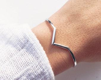 Silver bracelet 925 - Sterling Silver V ring / silver sterling bangle