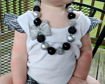 Black and Silver Chunky Necklace With Bow, Black Bubblegum Necklace, Black Toddler Necklace, Black and Silver Baby Necklace, Baby Bracelet