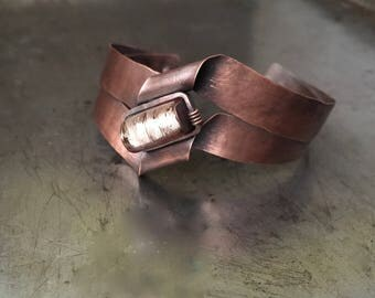 Handmade copper cuff, hand forged metal, crinkle peach foil glass bracelet