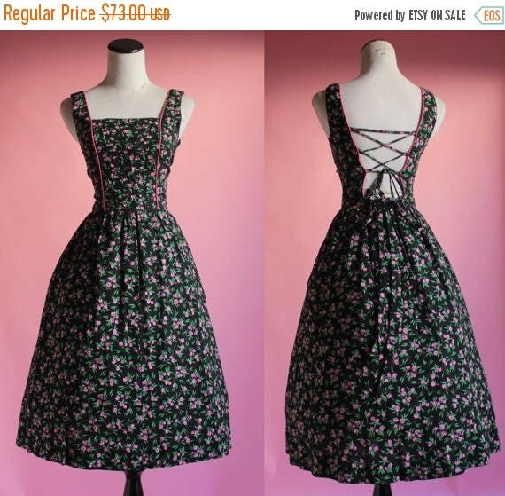 SALE 15% STOREWIDE 1960s floral sundress/ 60s 50s lanz lace up back cotton dress/ dirndl/ extra small xs