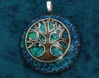 Blue Tree of Life Vishuddha Chakra-Tuning Blue Orgone 30mm Pendant 72 energy harmonizing crystals Quartz black cord / silver chain