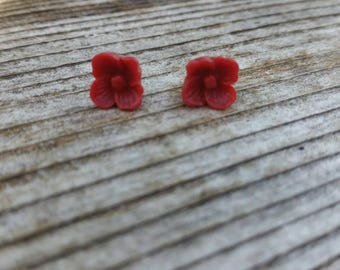 10mm Burnt Red Floral Earrings