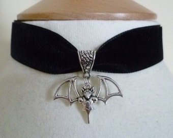 Black Velvet bat Choker Pagan Goth Wicca Necklace goth Halloween fantasy