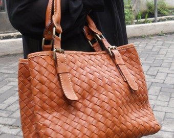 Anya Leather Tote Handbag
