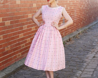 Vintage 1950s Pink Plaid Cotton Dress / DEADSTOCK / Cotton 50s Sundress / Novelty Print / Dipped V Back / Full Skirt / S