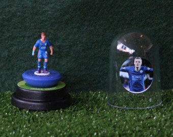 Jamie Vardy (Leicester City) - Hand-painted Subbuteo figure housed in plastic dome.