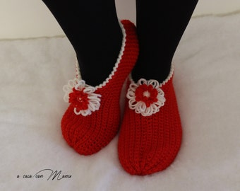 Pantofole di lana red slippers wool slippers gifts babbucce christmas crochet handmade Pantofole rosse regalo per la mamma DONNA SLIPPER
